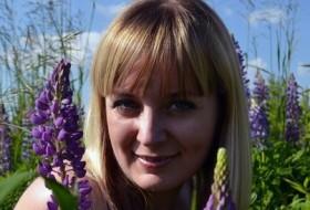 Yuska, 39 - Just Me