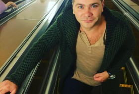 Oleg, 28 - Just Me