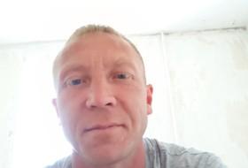 Evgeniy , 40 - Just Me