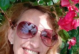 Yana, 51 - Just Me
