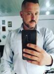Maurício, 42  , Lages