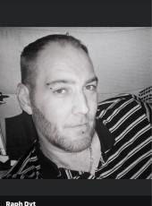 Raphaël, 37, France, Firminy