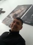 Bladimir, 41  , Bogota