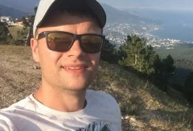 Ilya, 30 - Just Me