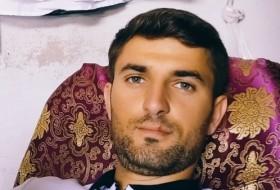 Ayaz, 28 - Just Me