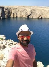 amsy, 40, India, Pune