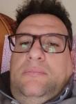 Luca, 39  , Napoli