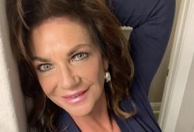 Julie , 40 - Just Me