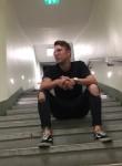 Chris , 27  , Wolfsburg