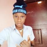 James, 20  , Port-de-Paix