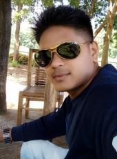 Reyansh, 18, India, Surat