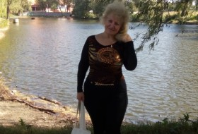 Valentina, 57 - Just Me