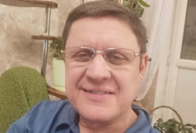 Yanis, 37 - General