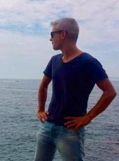 Toni, 42, Spain, Llica d Amunt