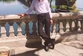 Trường Sơn, 55 - Just Me