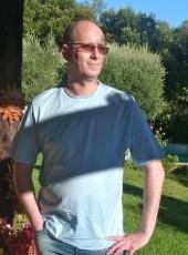 Aristide , 62, France, Lille