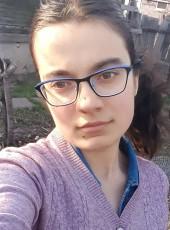Anna, 18, Russia, Engels