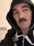 Mahino, 44  , Mascara