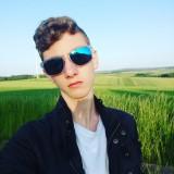 Dustin , 18  , Nassau