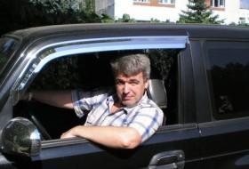Yuriy, 59 - Just Me