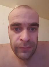 Christopher, 29, République Française, Quimper