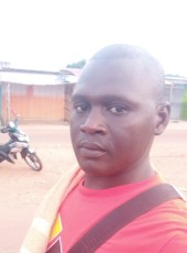 issa, 22, Ivory Coast, Abengourou