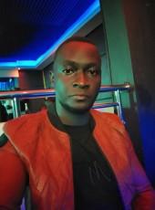 Bna, 27, Uganda, Kampala
