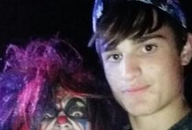 Nikolas, 19 - Just Me