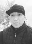 Erbolat Saparov, 35  , Aktau (Mangghystau)