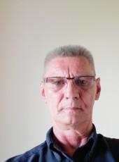 Vitaliy, 60, Russia, Pskov