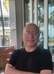 Roman , 52  , Orlando