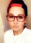 Nat, 25, Carpentersville