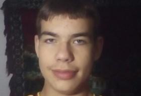 Mario, 18 - Just Me