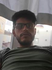 Ezel Bayraktar, 27, Turkey, Istanbul