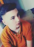 Enzo, 19  , Beziers