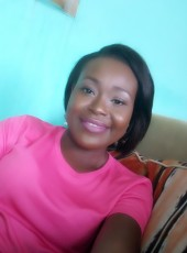 Joëlle Menvola, 28, Gabon, Libreville