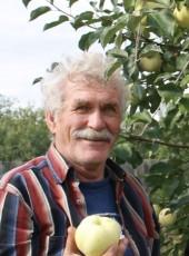 Yuriy Sadkov, 74, Russia, Vologda