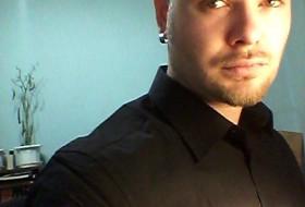 Borislav, 37 - Just Me