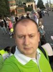 Roman, 38  , Chita