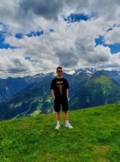 Tobi, 18, Germany, Bergisch Gladbach