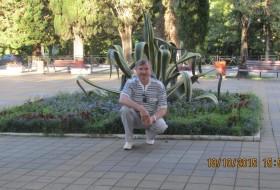 nik, 61 - Just Me
