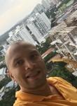 Ronnye, 43  , Panama