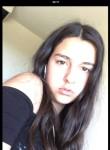 Charlotte, 21  , Viroflay