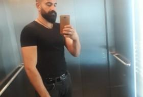 Serko, 26 - Just Me