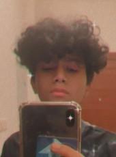 nawaf, 19, Saudi Arabia, Jeddah