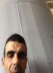 Mokhtar, 40  , Sig