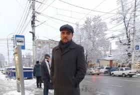Mikhail, 35 - Just Me