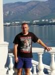 Roman, 42  , Ozherele