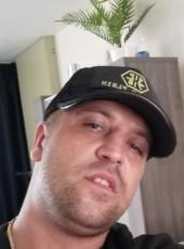 Gstylemanu2 , 36, Belgium, Tongeren