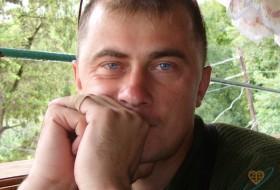 Dima, 45 - Just Me